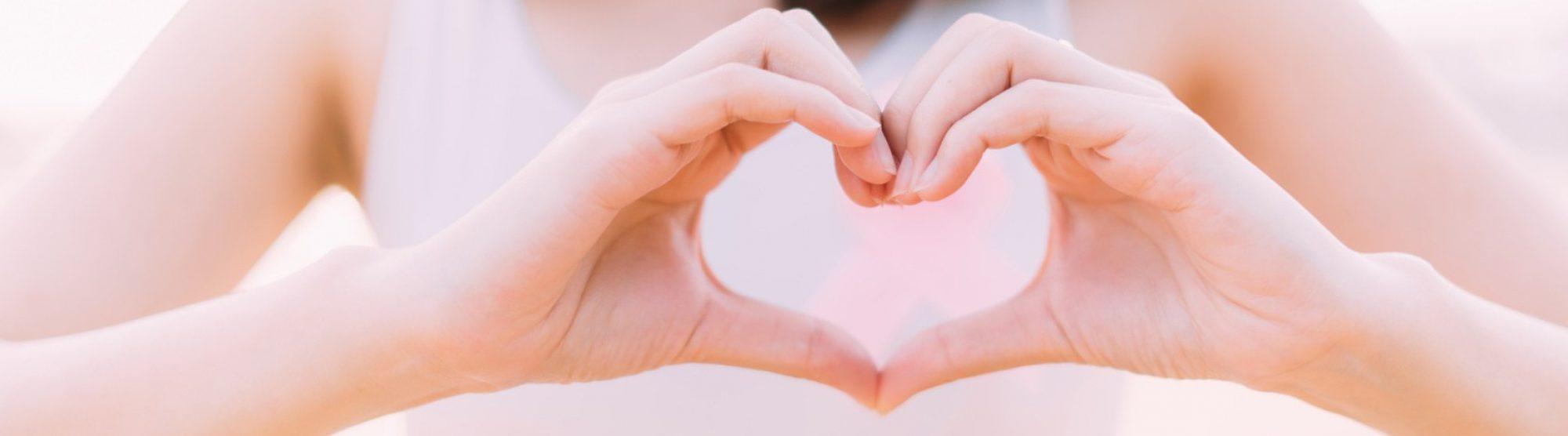 Una mano sul cuore